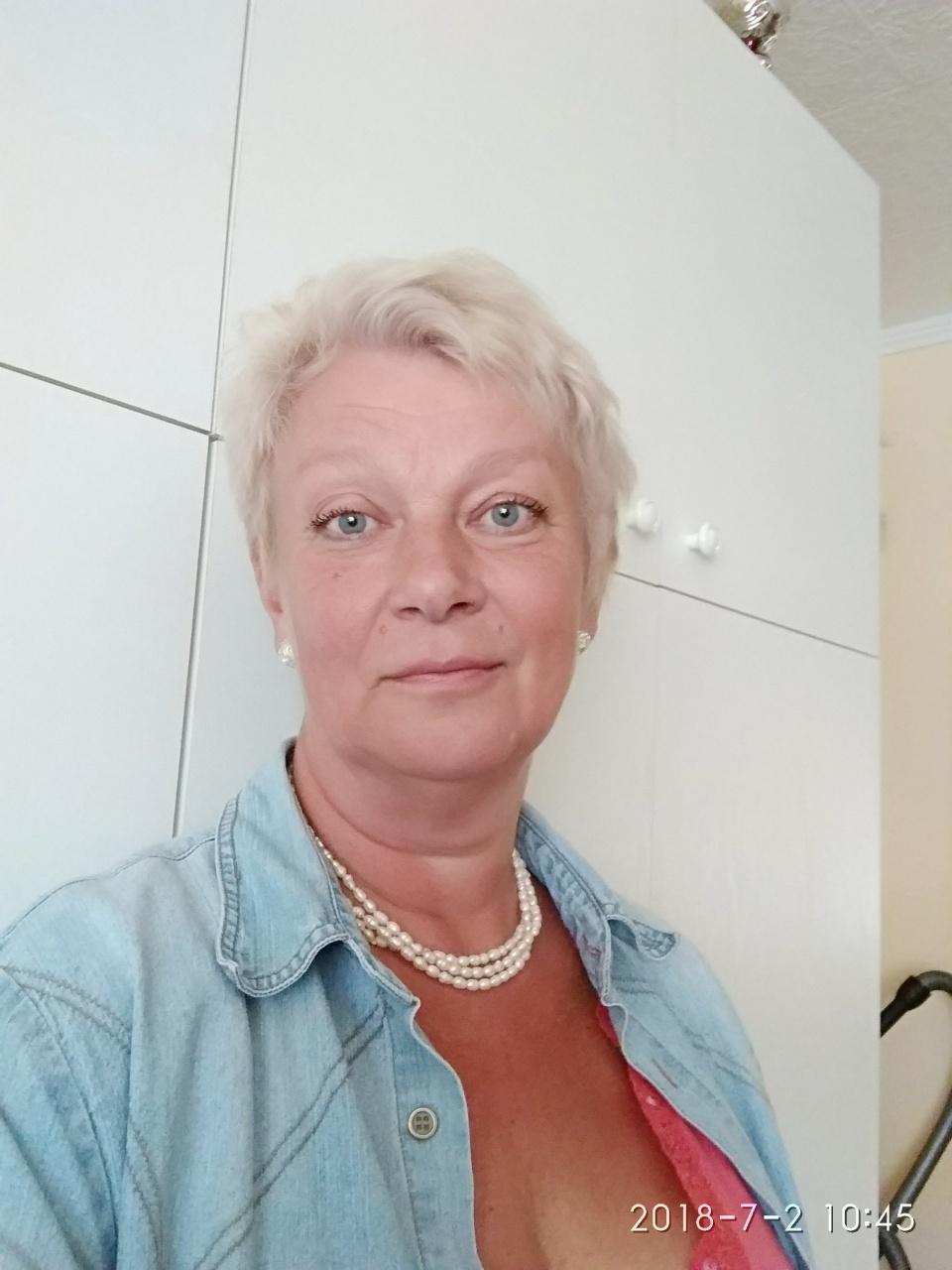 pogány társkereső Írország Szeretnék lányt randevúzni Chennaiban