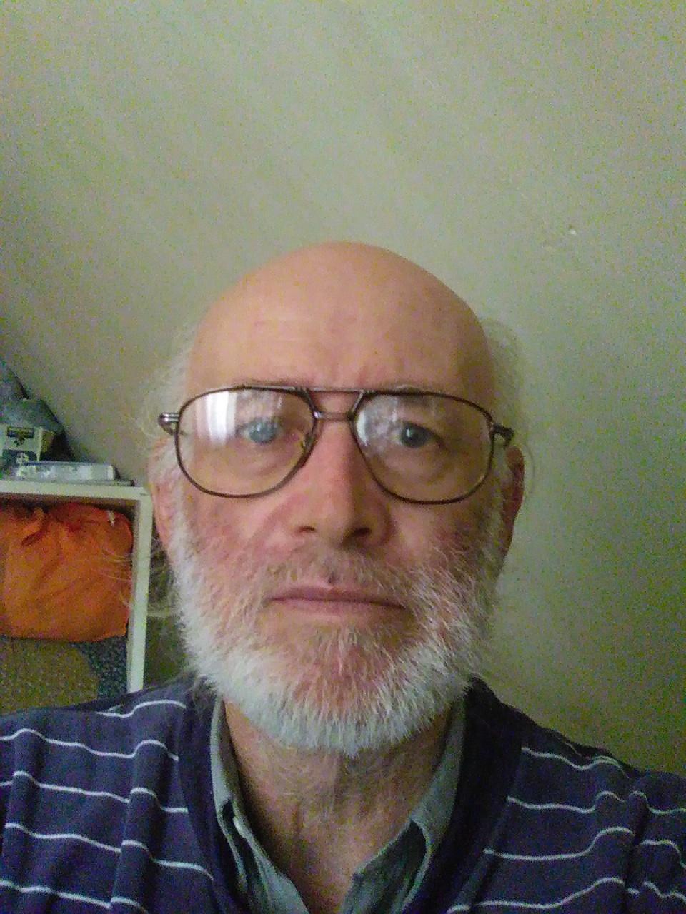 Segítségre van szükségem az online társkereső profilom felírásához