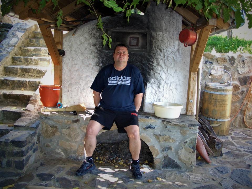 Egyedülálló társkereső wiesbaden