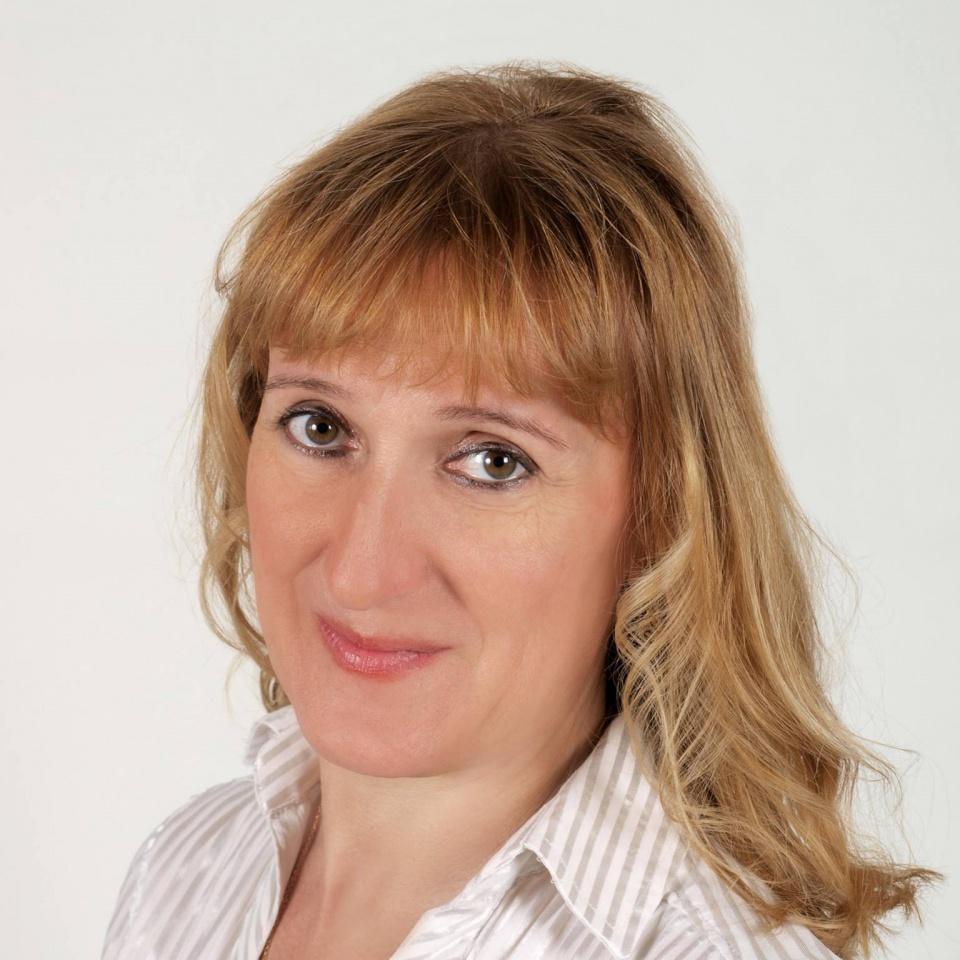társkereső női főiskolai tanár