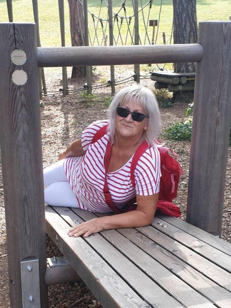 ismerkedés nyugdíjasok ausztria 50 plusz ingyenes társkereső