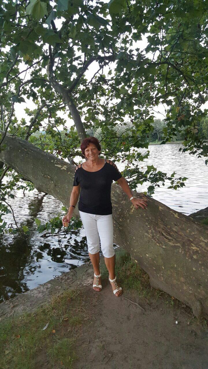 Ingyenes társkereső webhelyek hosszú szigeten nővér randevú egy korábbi beteg